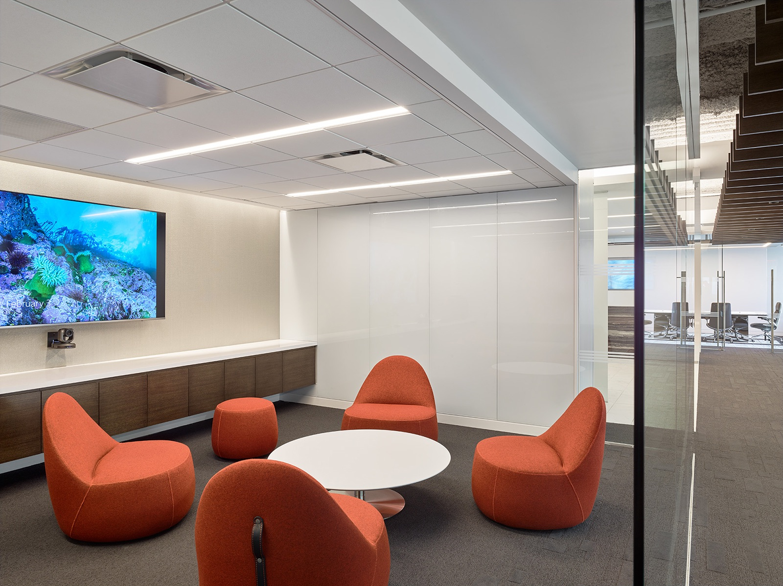 trading-screen-nyc-office-6