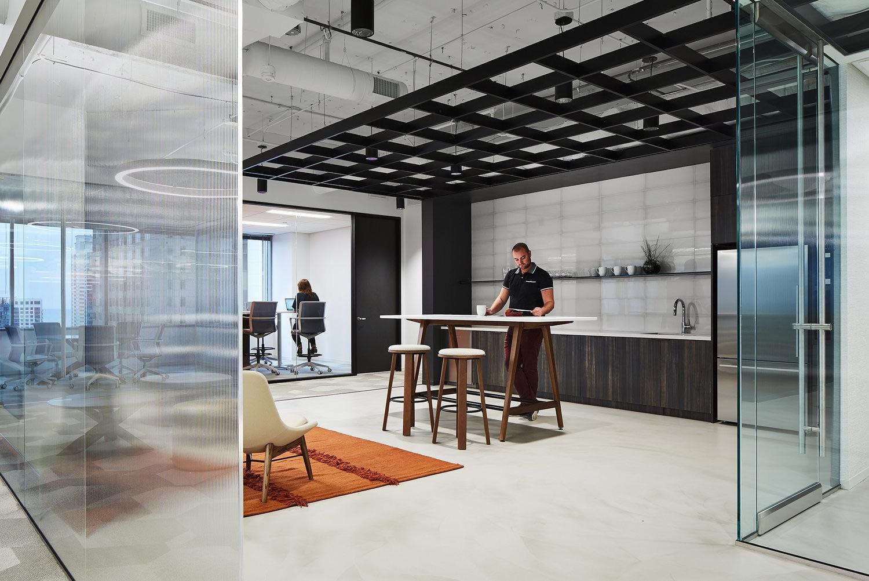 2-pru-office-chicago-6