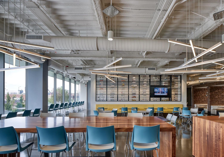 c-h-robinson-office-chicago-11