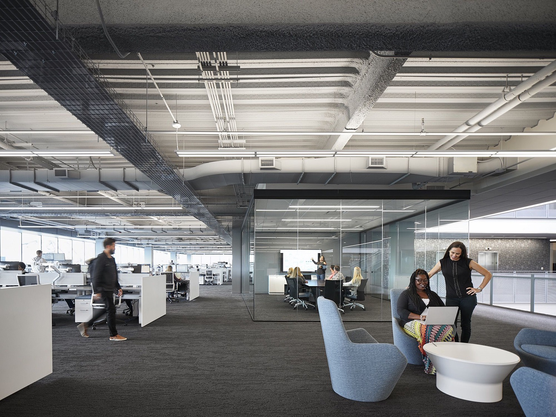 c-h-robinson-office-chicago-13
