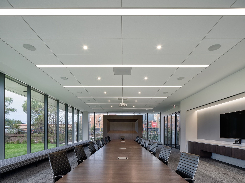 c-h-robinson-office-chicago-17