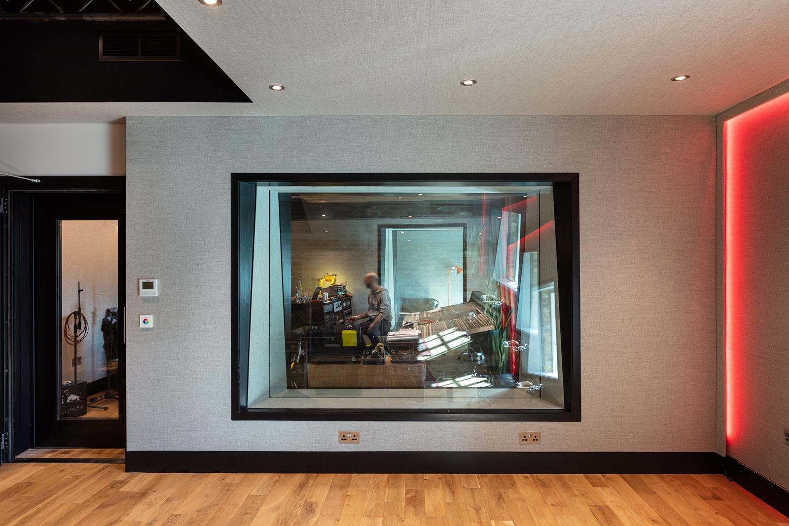 redbull-london-office-11