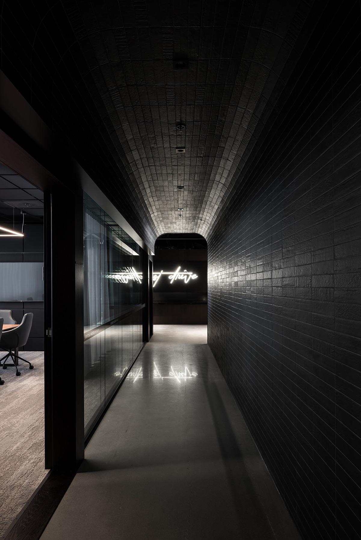 dentsu-aegis-network-office-4