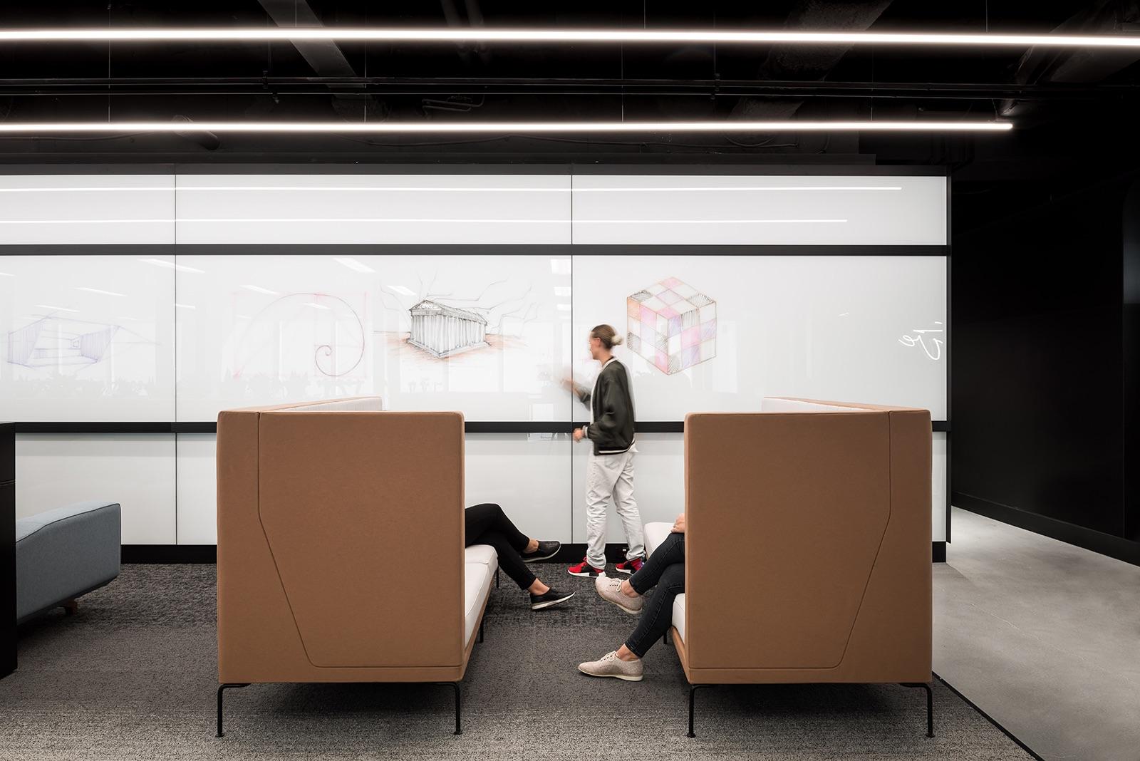dentsu-aegis-network-office-6