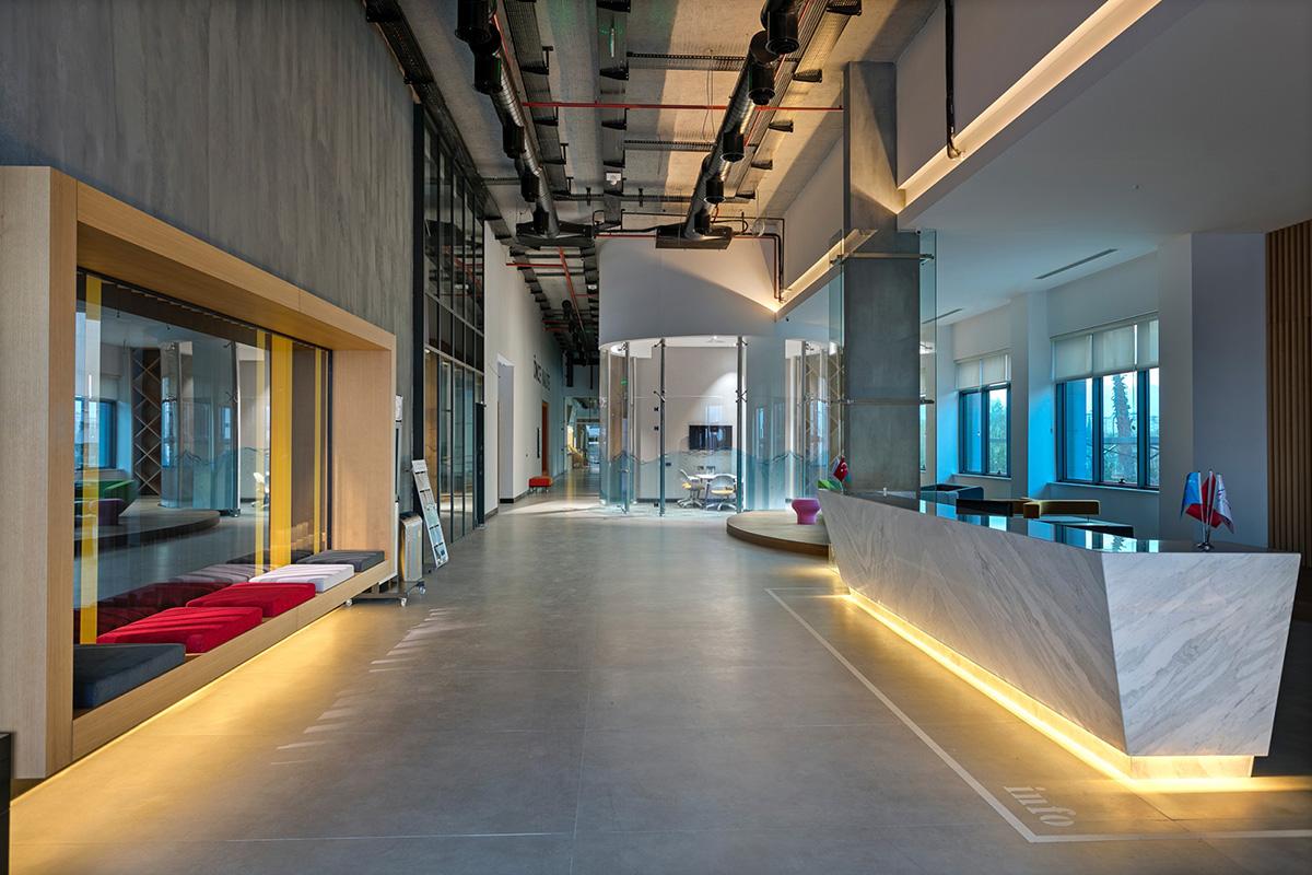 A Tour of Camsas' Modern Office in Antalya