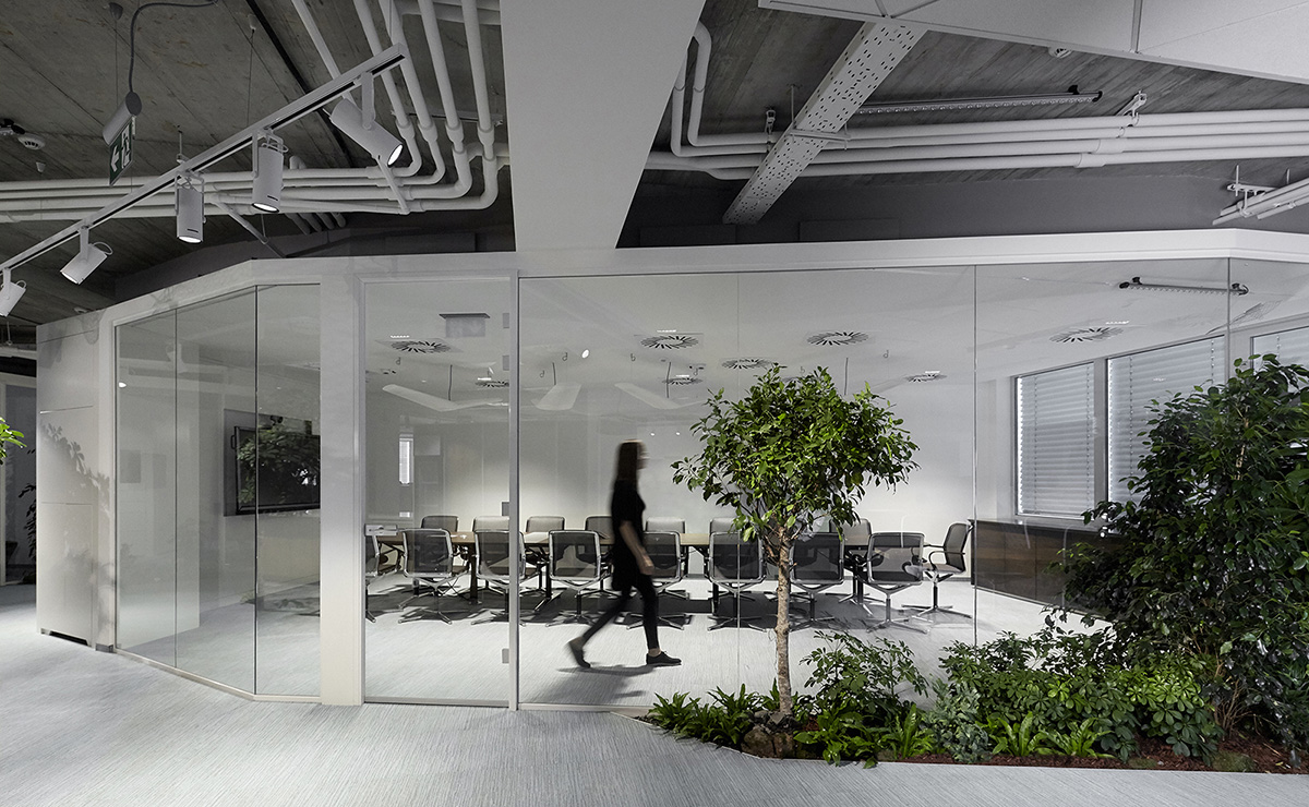 A Tour of Skanska's Modern Budapest Office