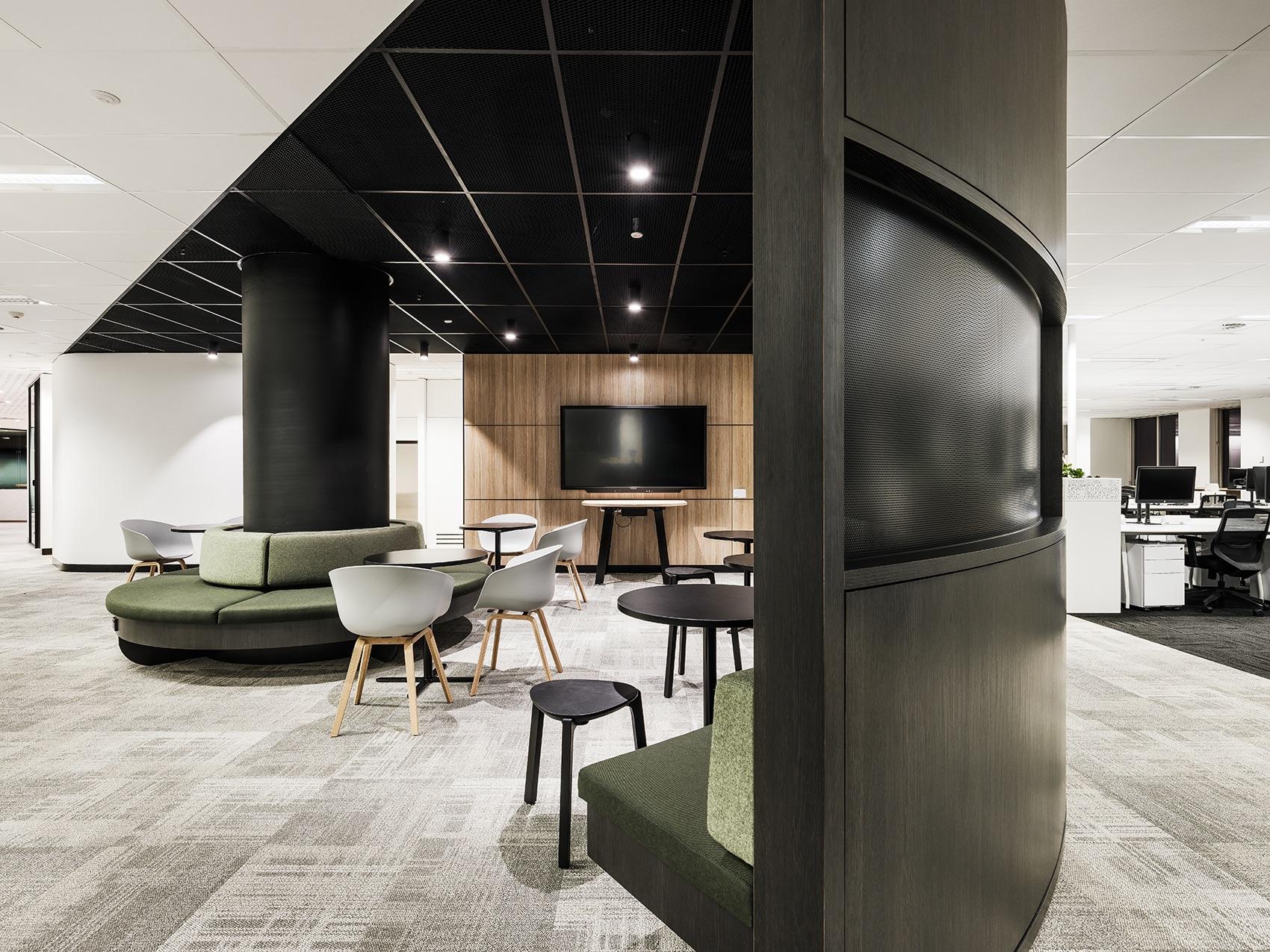 broadspectrum-office-11