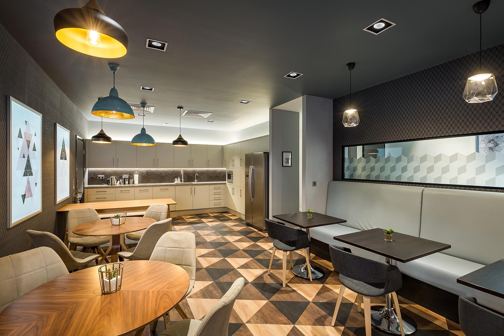 clarendon-london-office-18