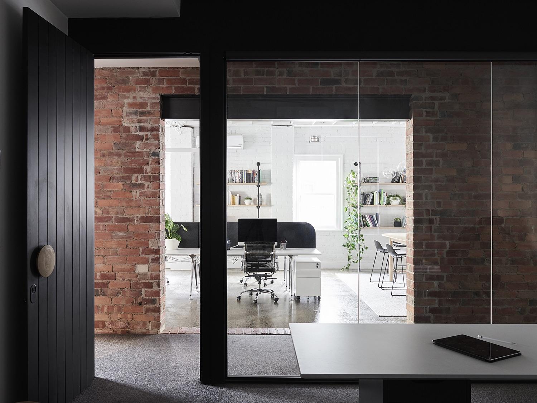 dwa-nbd-studio-office-10