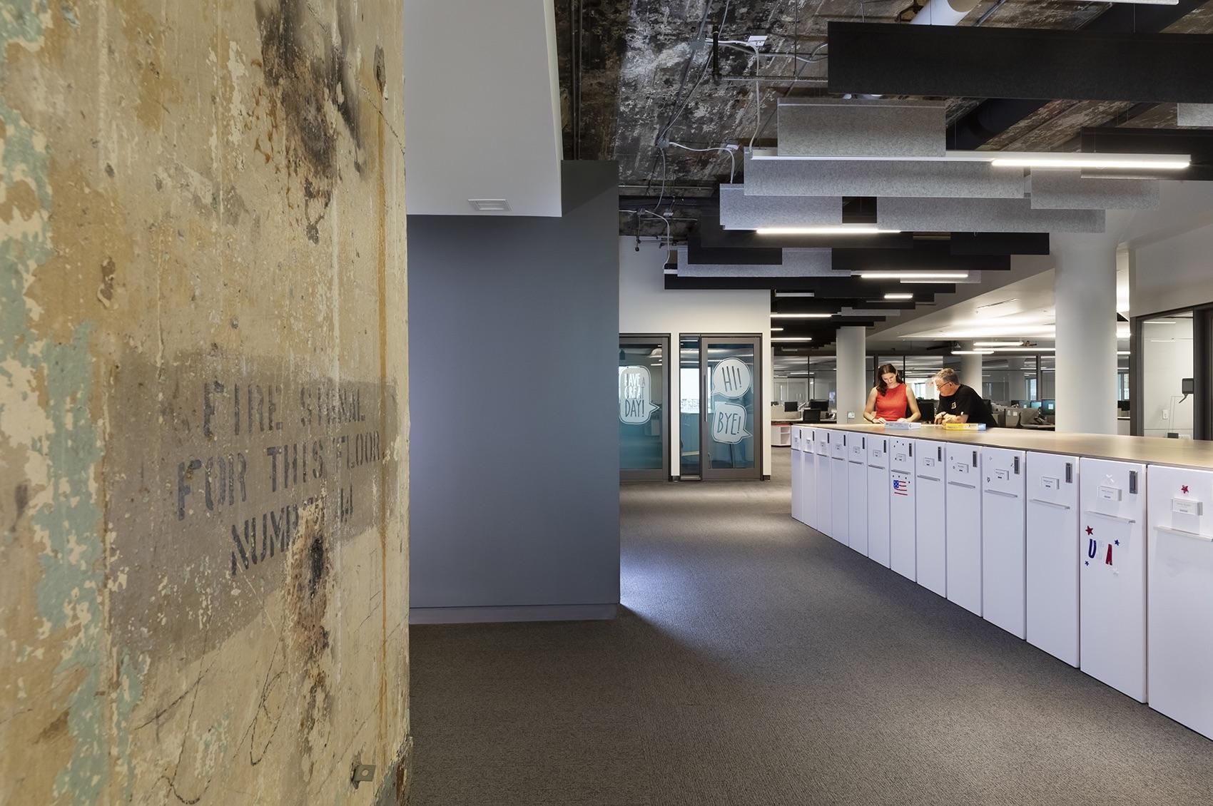 insurance-company-office-4