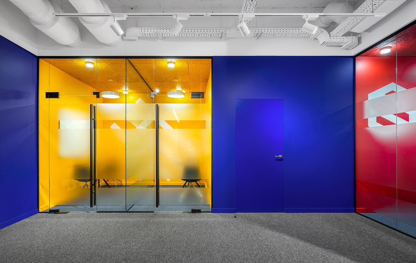 socialtech-office-112