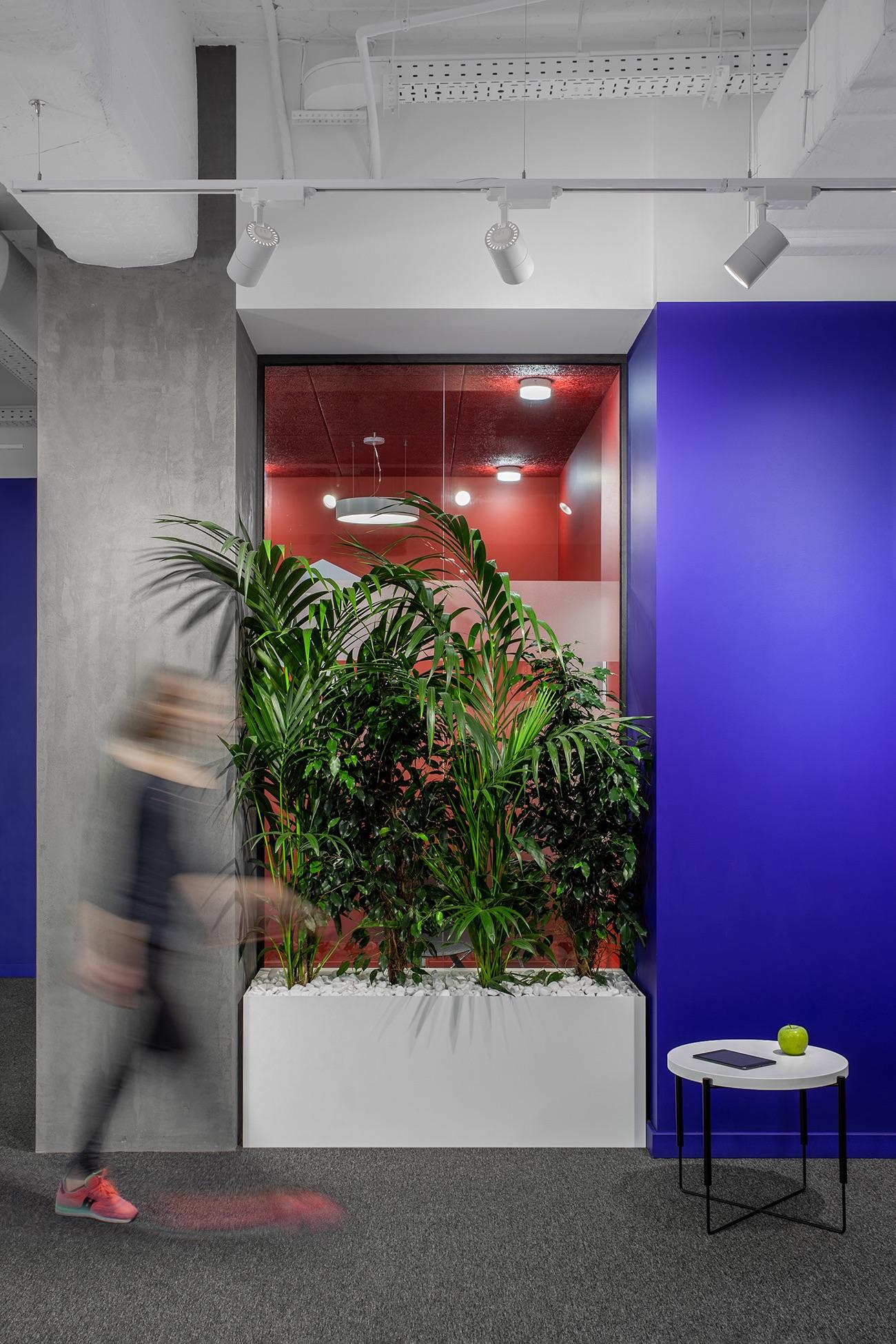 socialtech-office-115