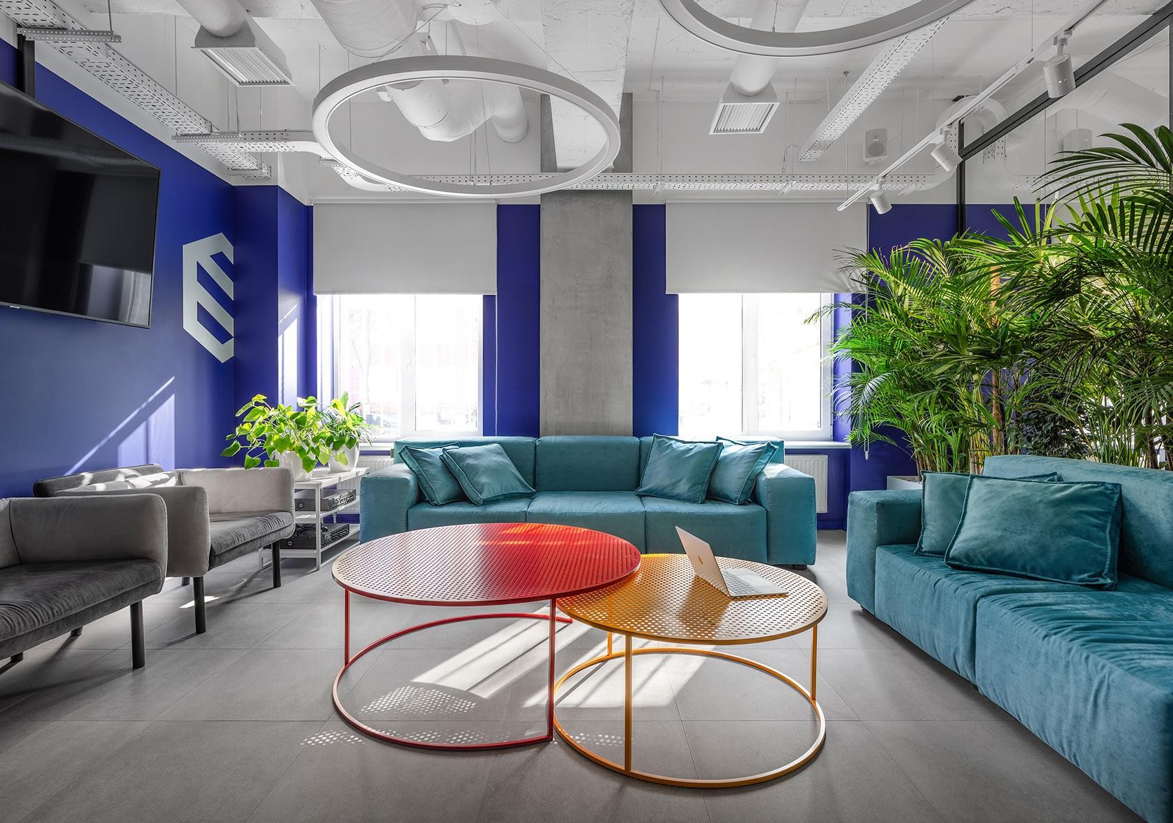socialtech-office-6