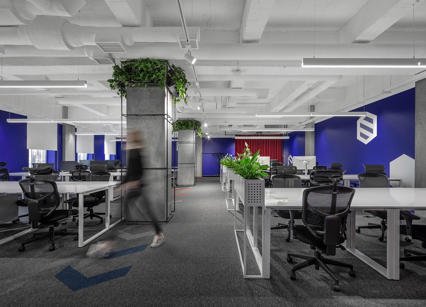 socialtech-office-9