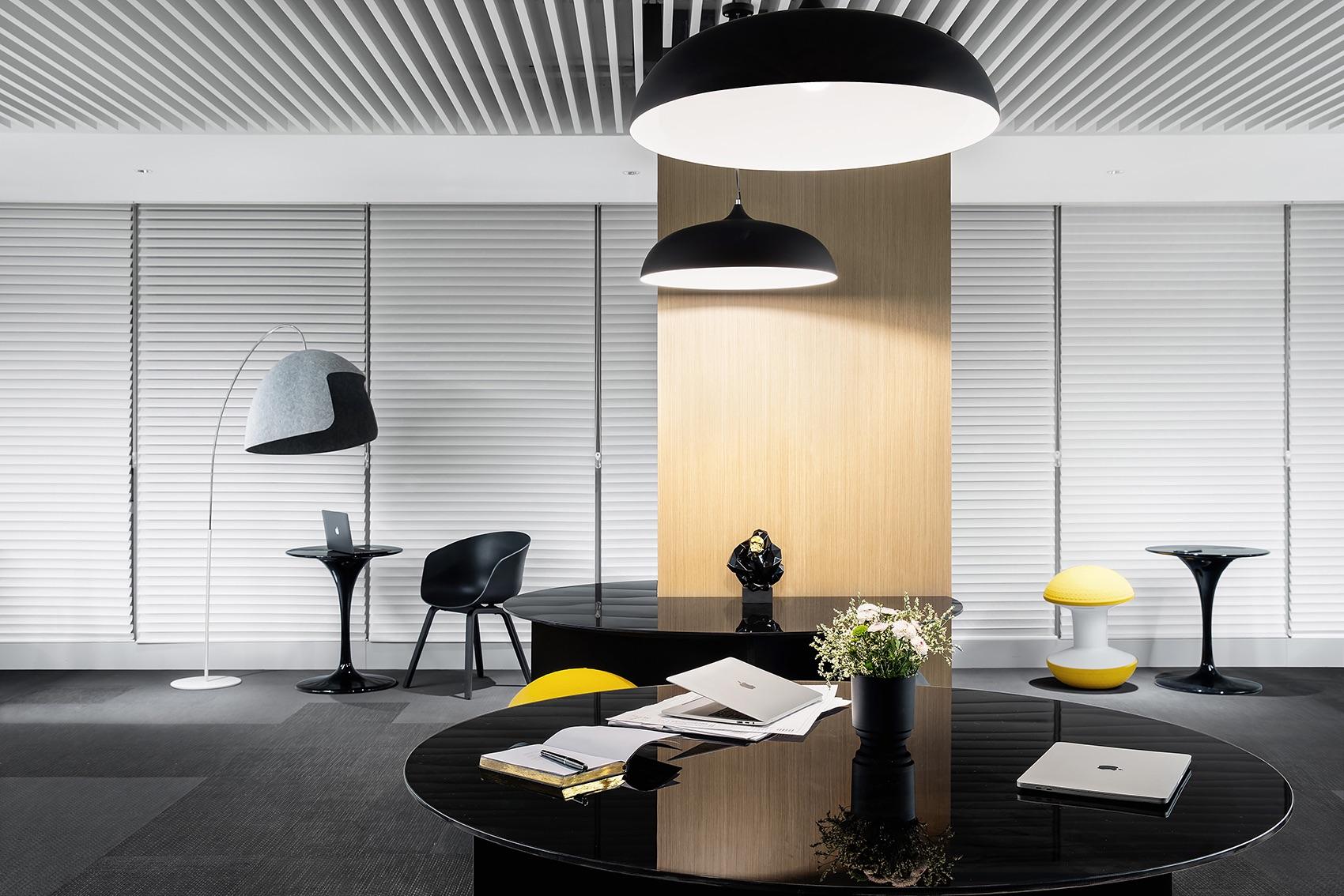 future-metropolitan-office-6