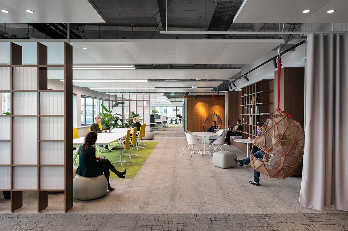 A tour of cbre s biophilic amsterdam hq officelovin 39 - Office tourisme italien a paris ...