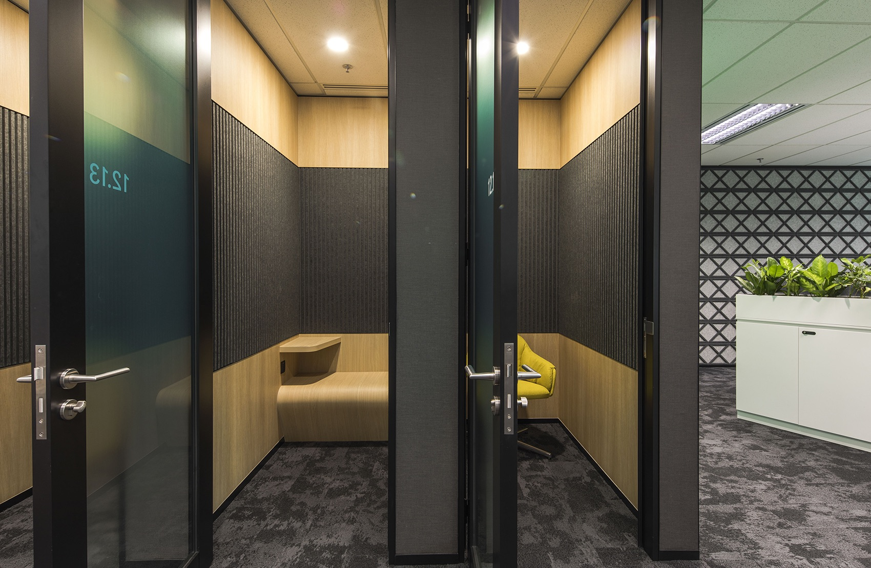 manulife-singapore-office-11