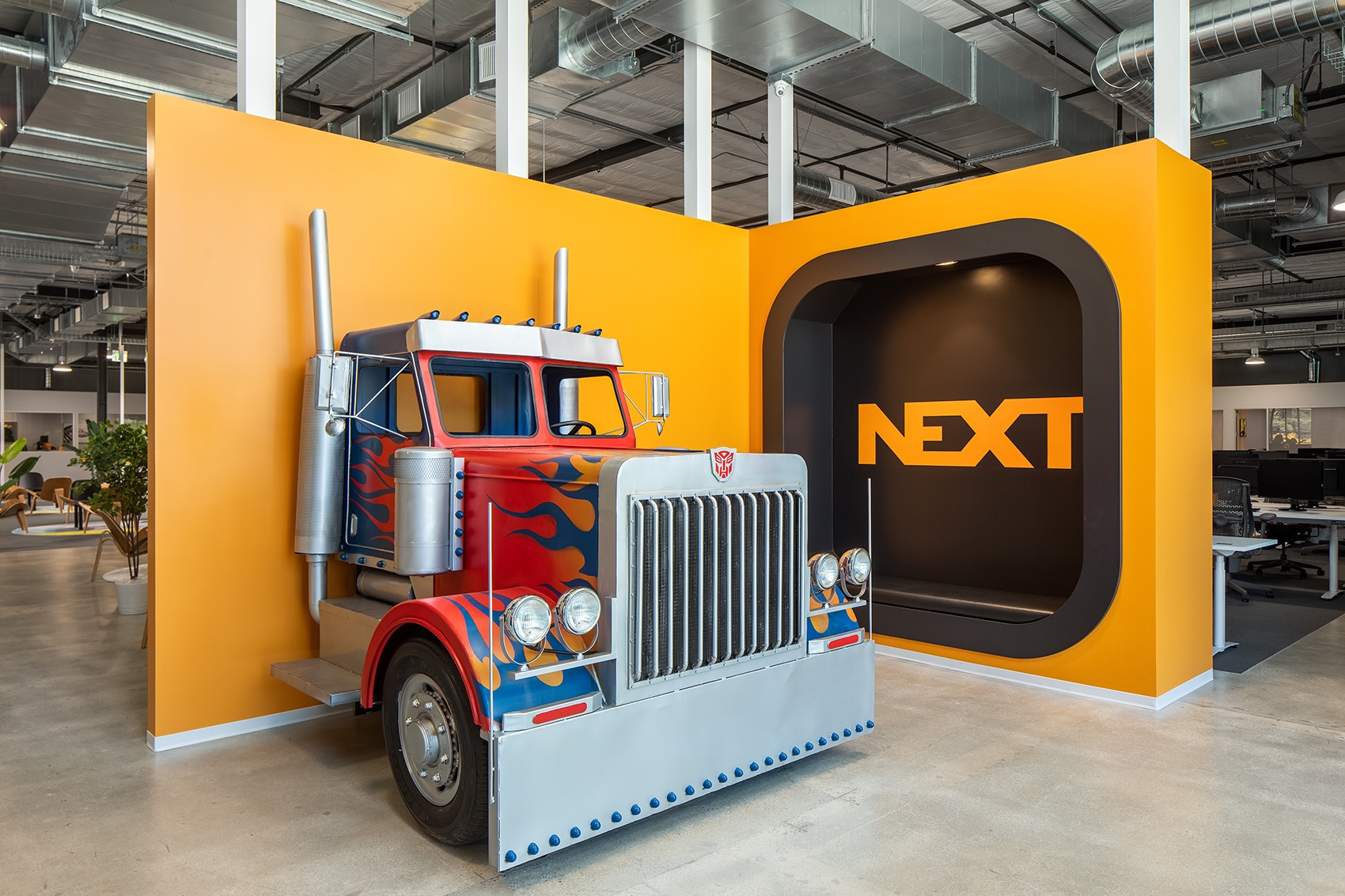 next-trucking-el-segundo-office-4