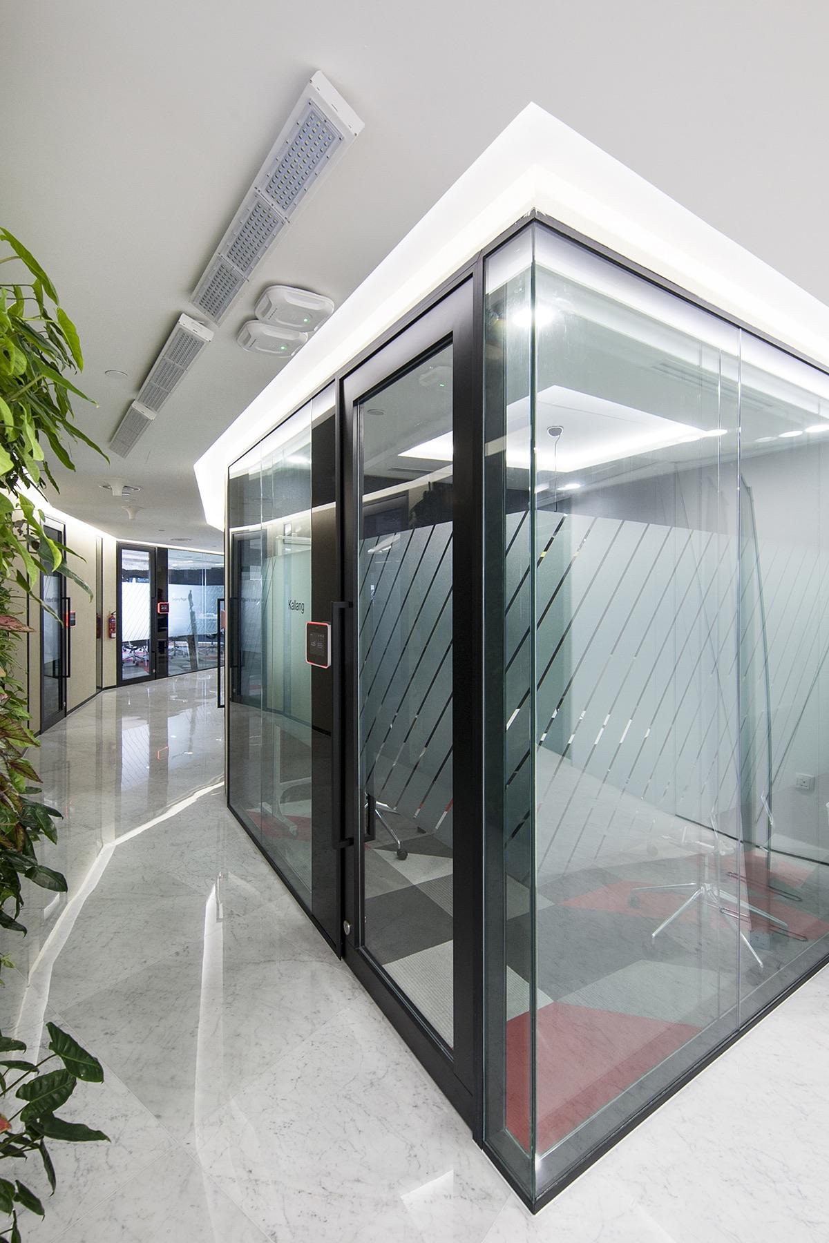 axa-singapore-office-7