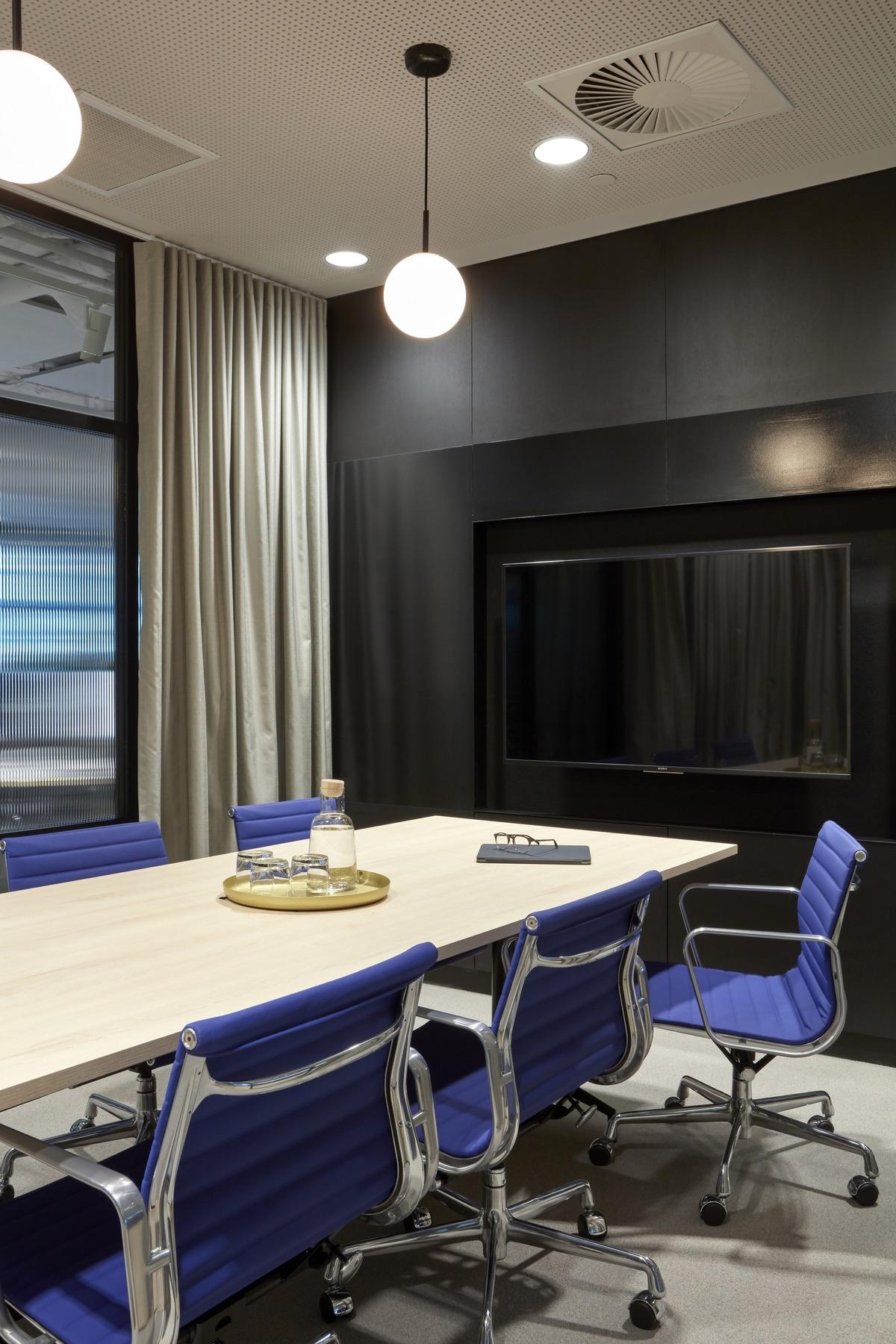 charter-hall-brisbane-office-13