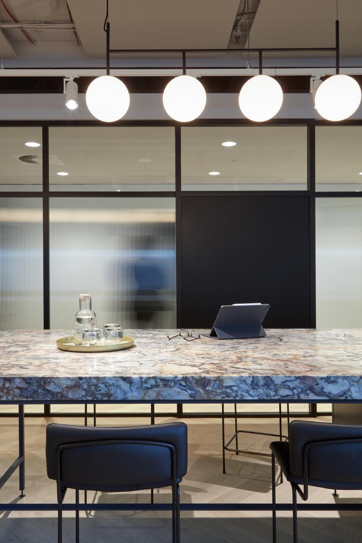 charter-hall-brisbane-office-3