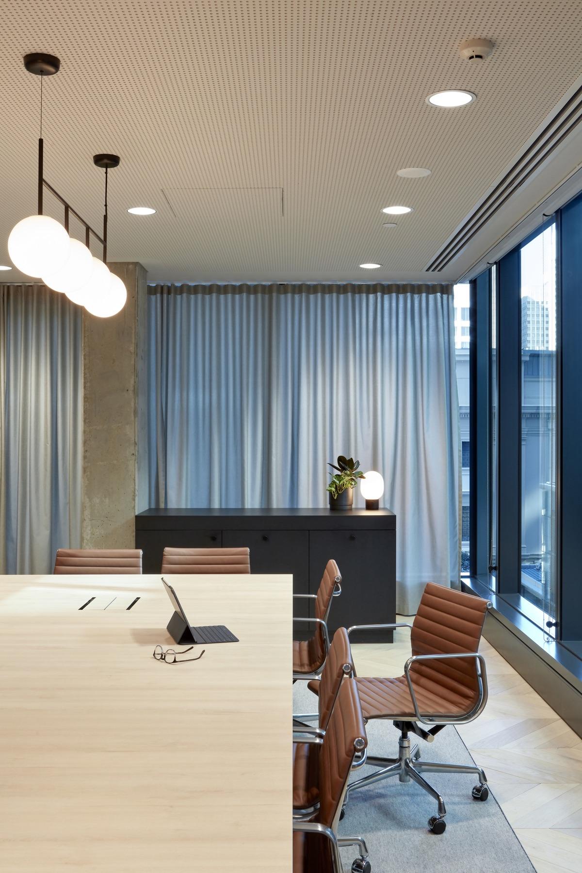 charter-hall-brisbane-office-8