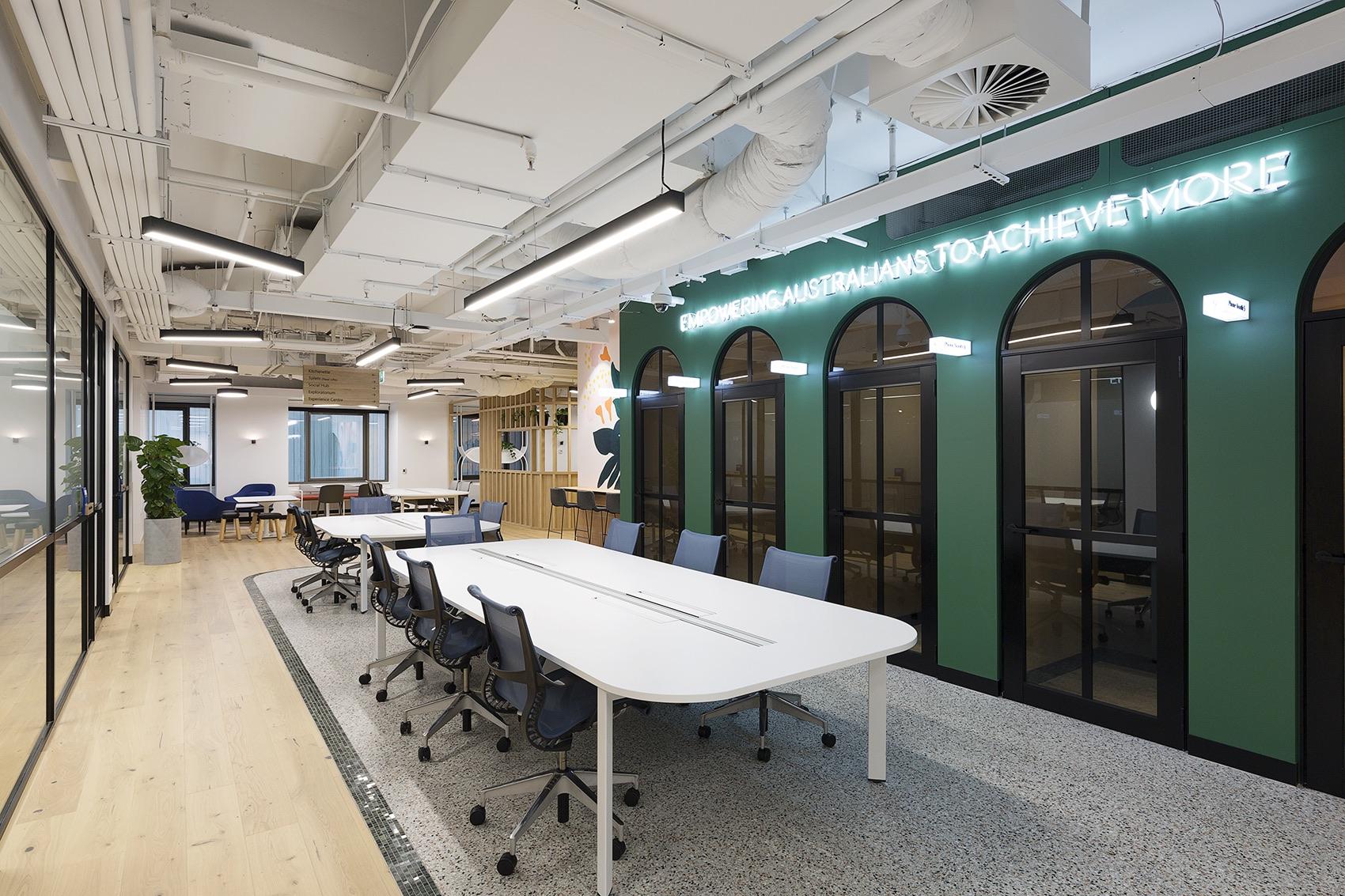 microsoft-technology-center-office-3