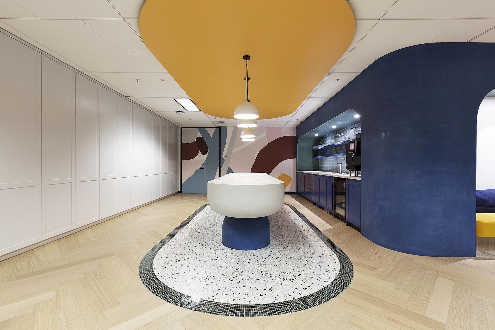 microsoft-technology-center-office-7