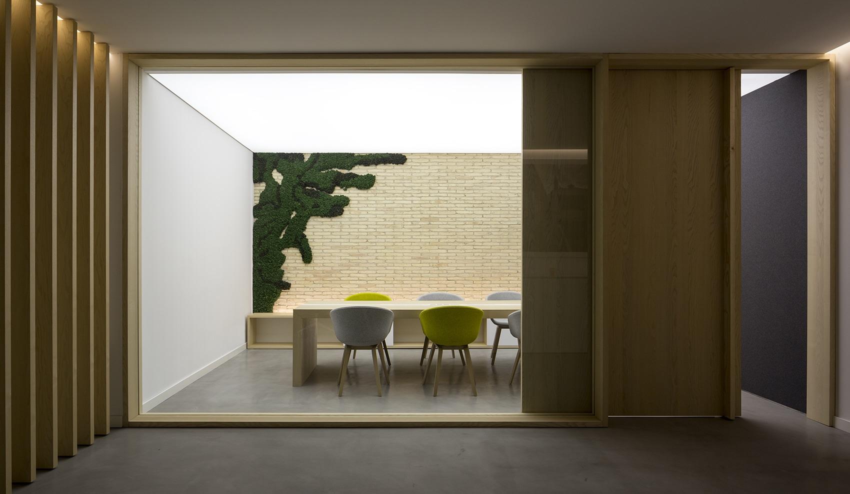 A Look Inside Nonna Design's Minimalist Valencia Office