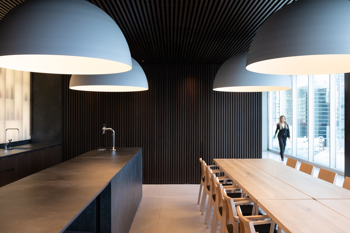 private-vancouver-office-7