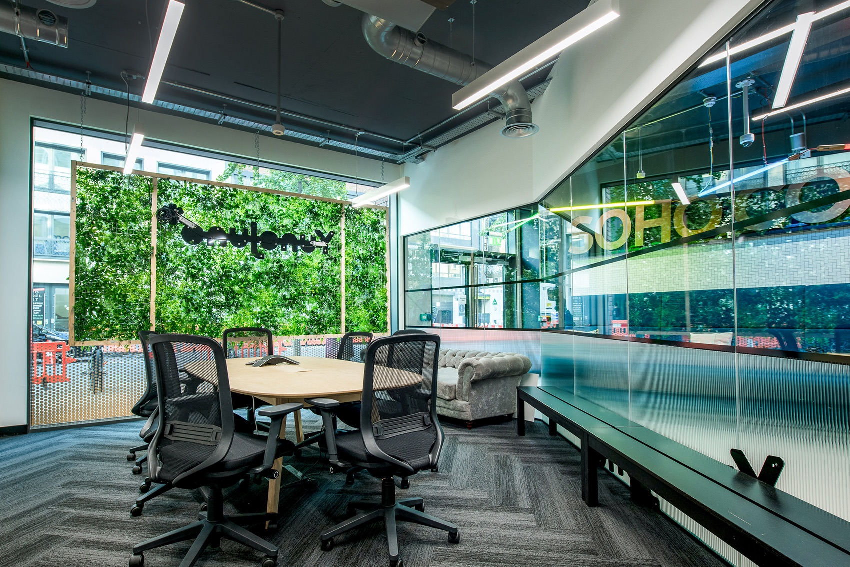 work-life-prague-coworking-space-london12