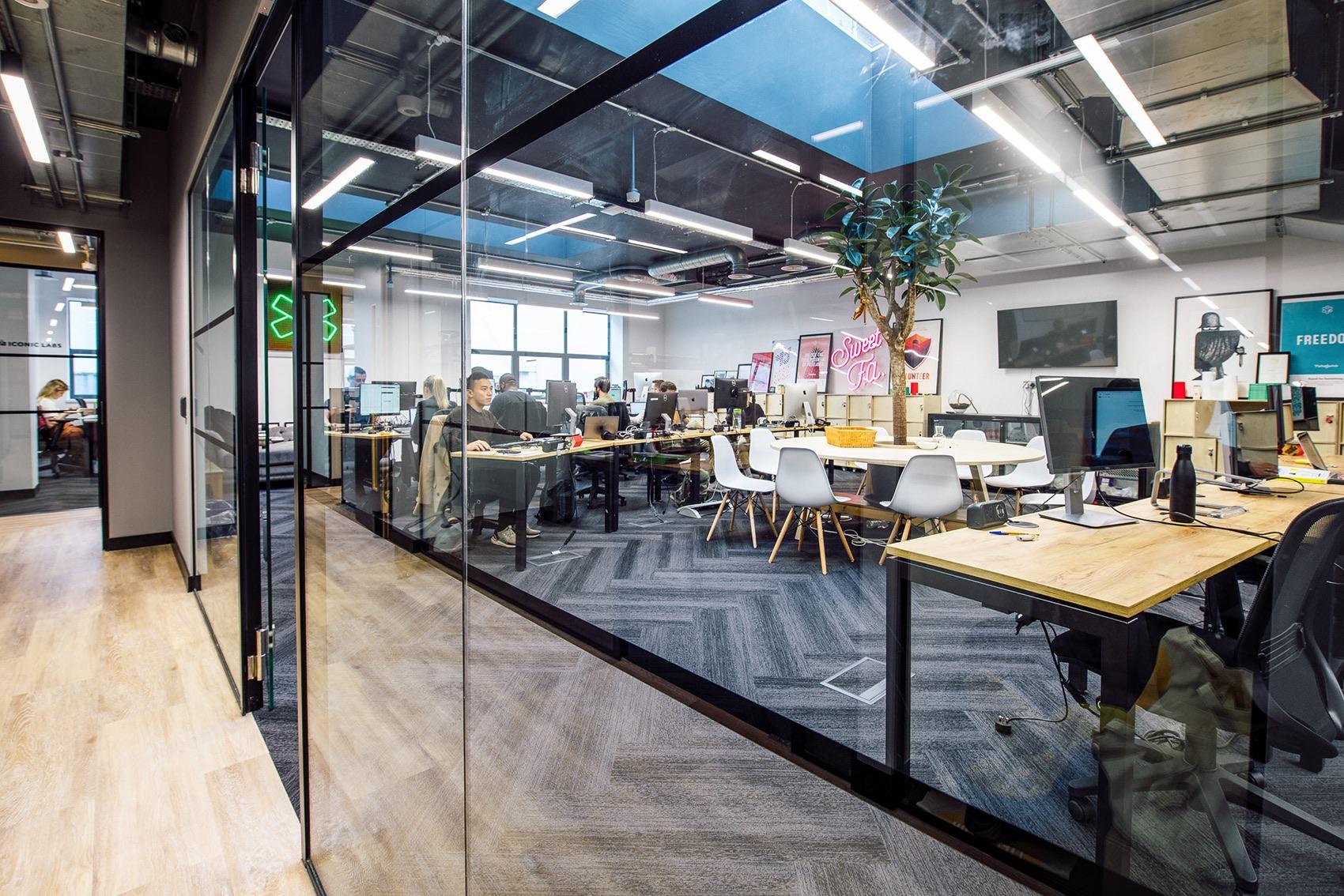 work-life-prague-coworking-space-london15