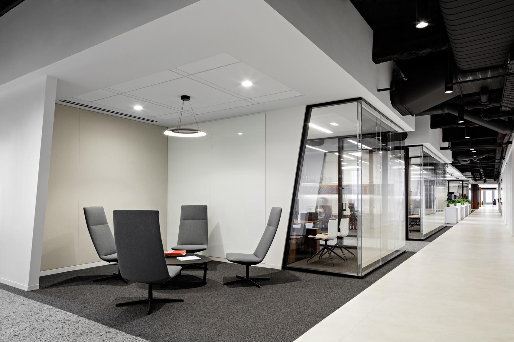 waterfall-asset-management-office-11