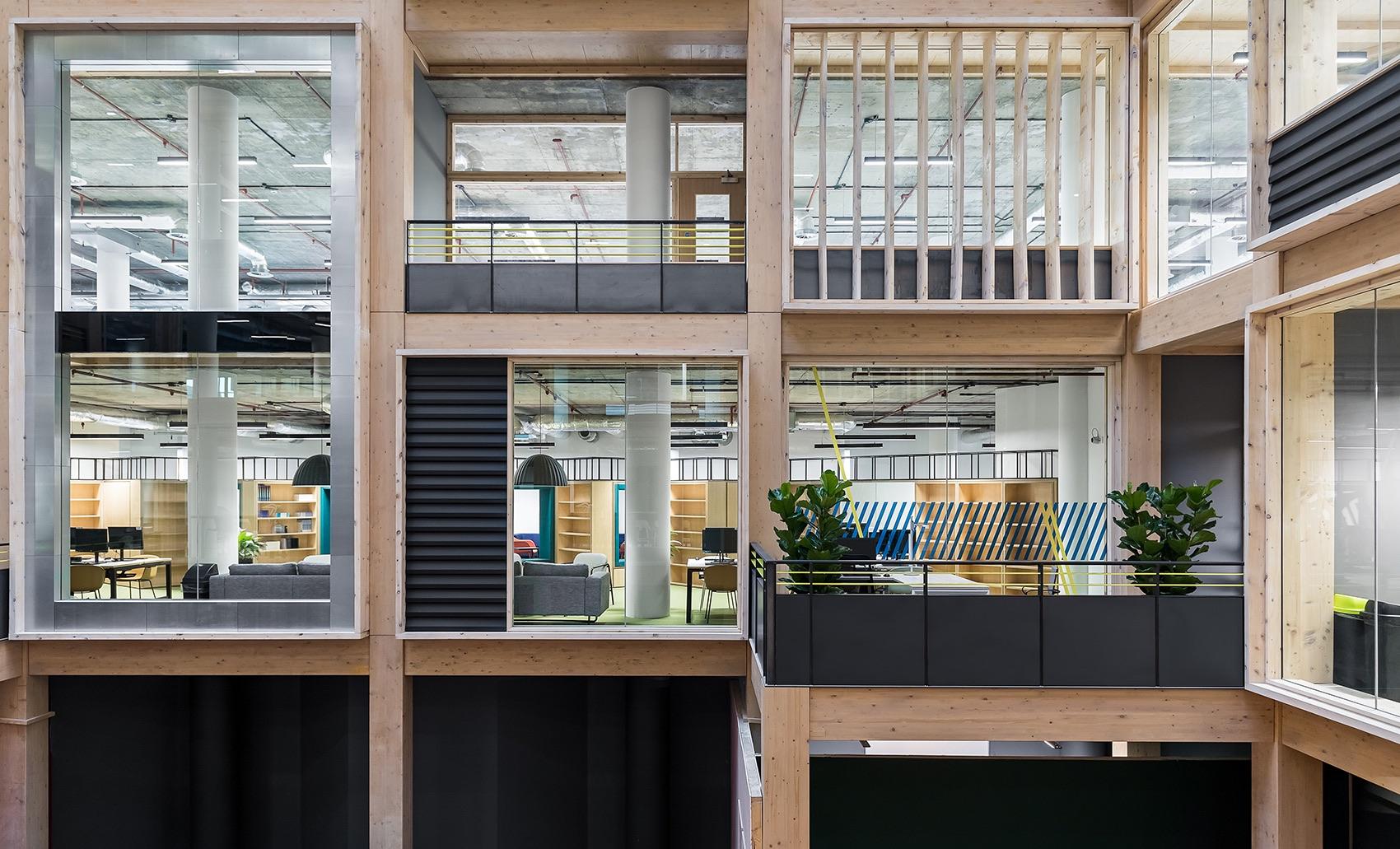 anglia-ruskin-university-office-london-12
