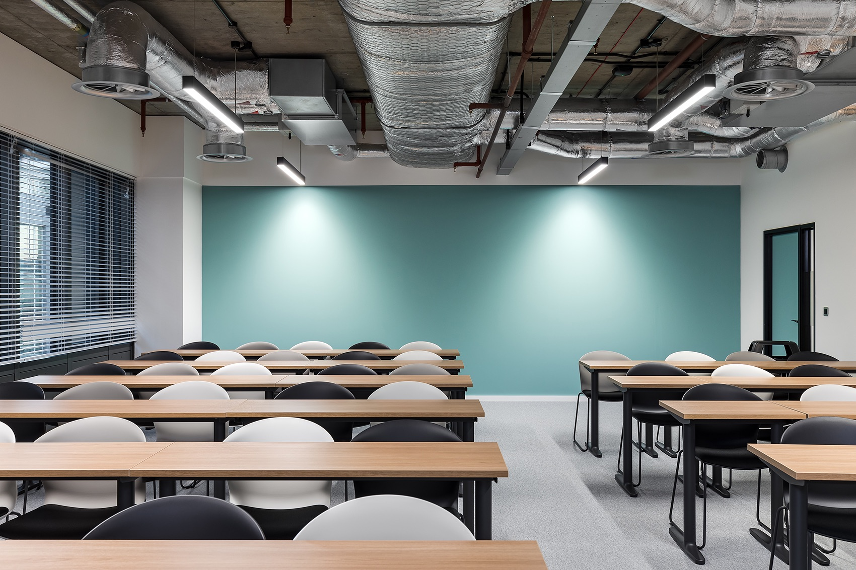 anglia-ruskin-university-office-london-14