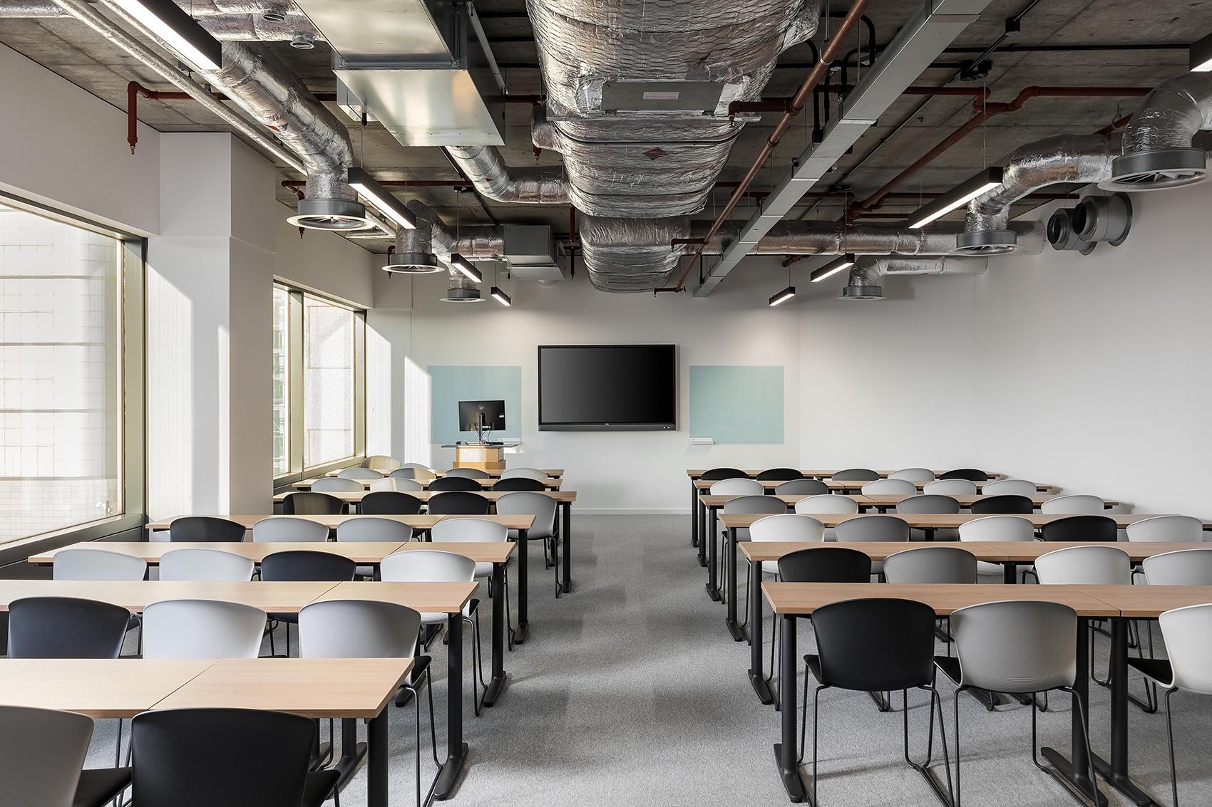 anglia-ruskin-university-office-london-15