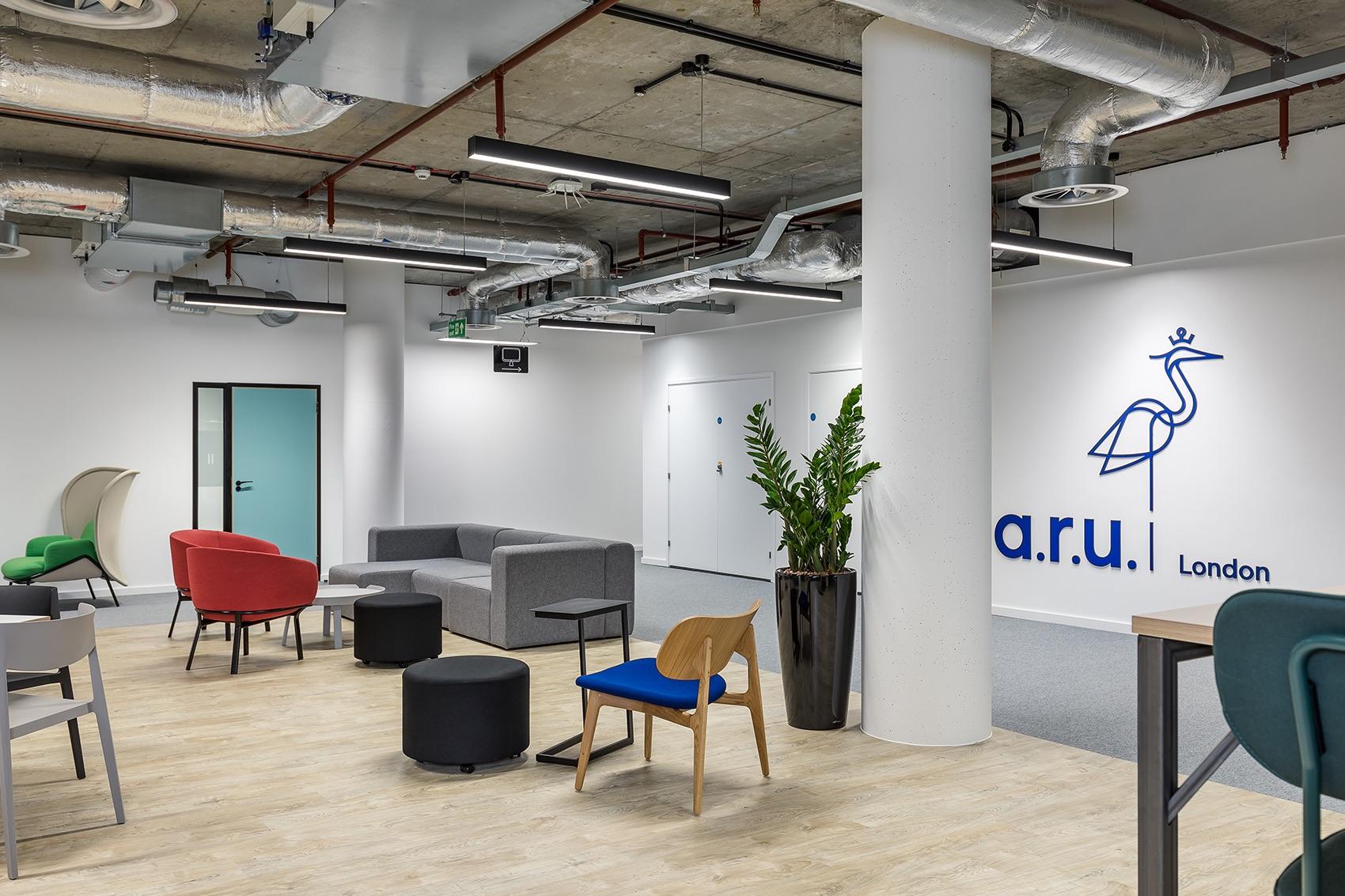 anglia-ruskin-university-office-london-17