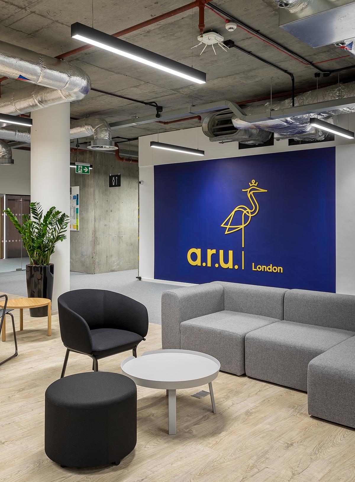 anglia-ruskin-university-office-london-19