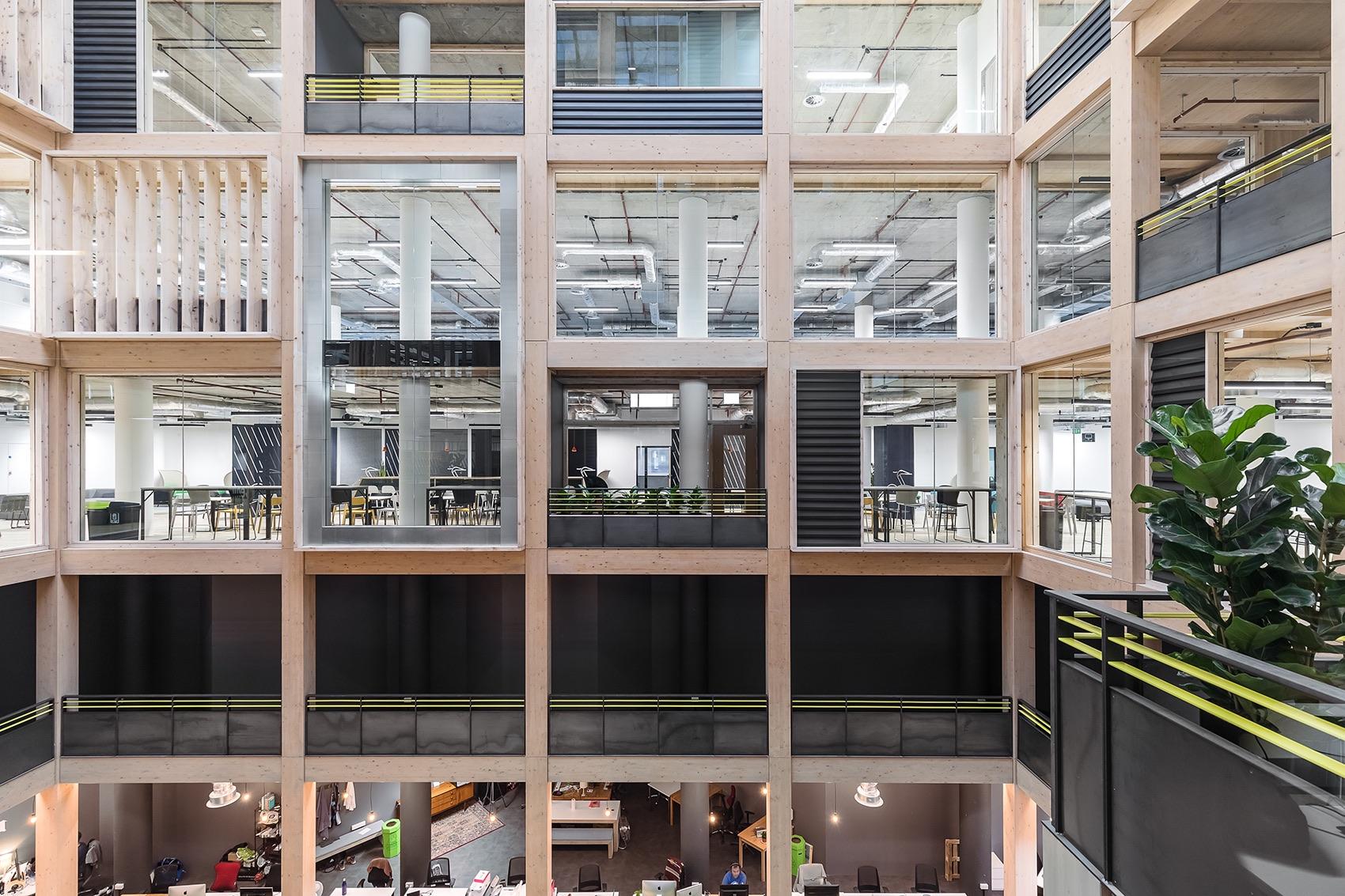 anglia-ruskin-university-office-london-7