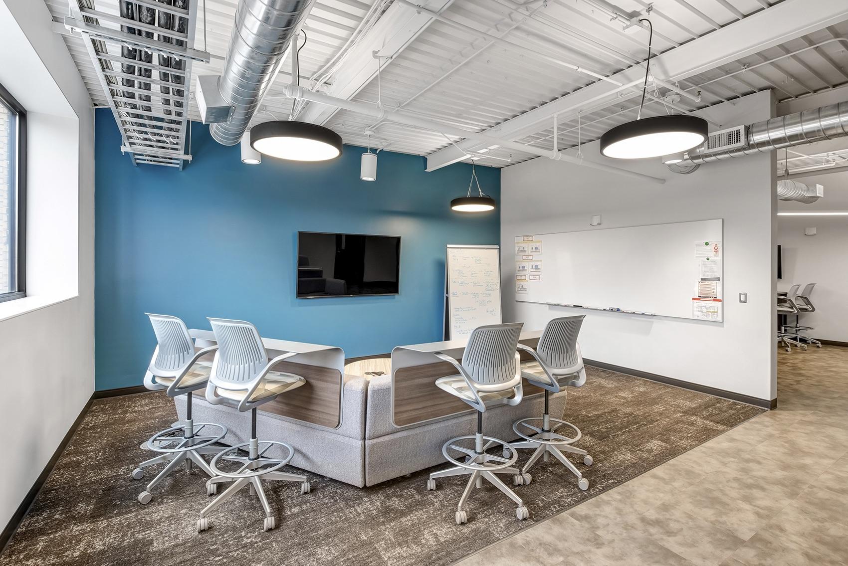 detroit-diesel-office-3