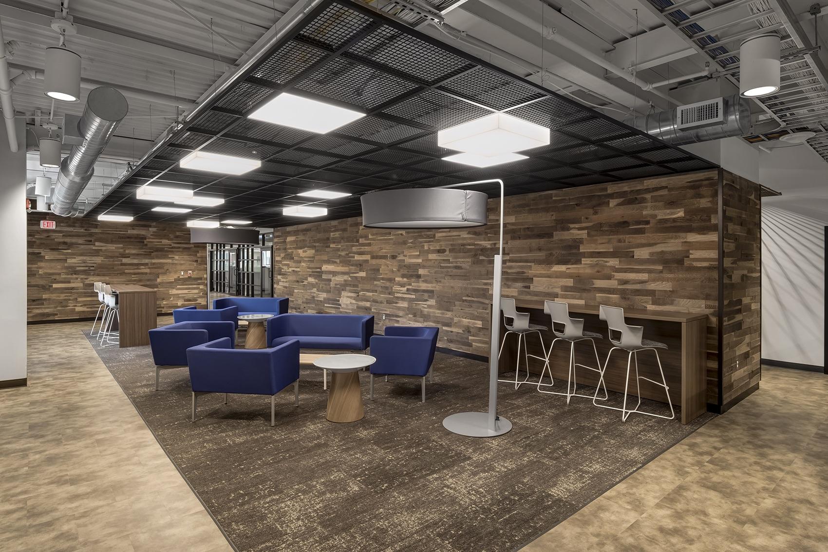 detroit-diesel-office-5