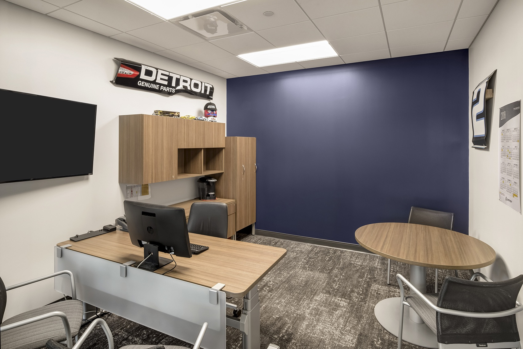 detroit-diesel-office-8