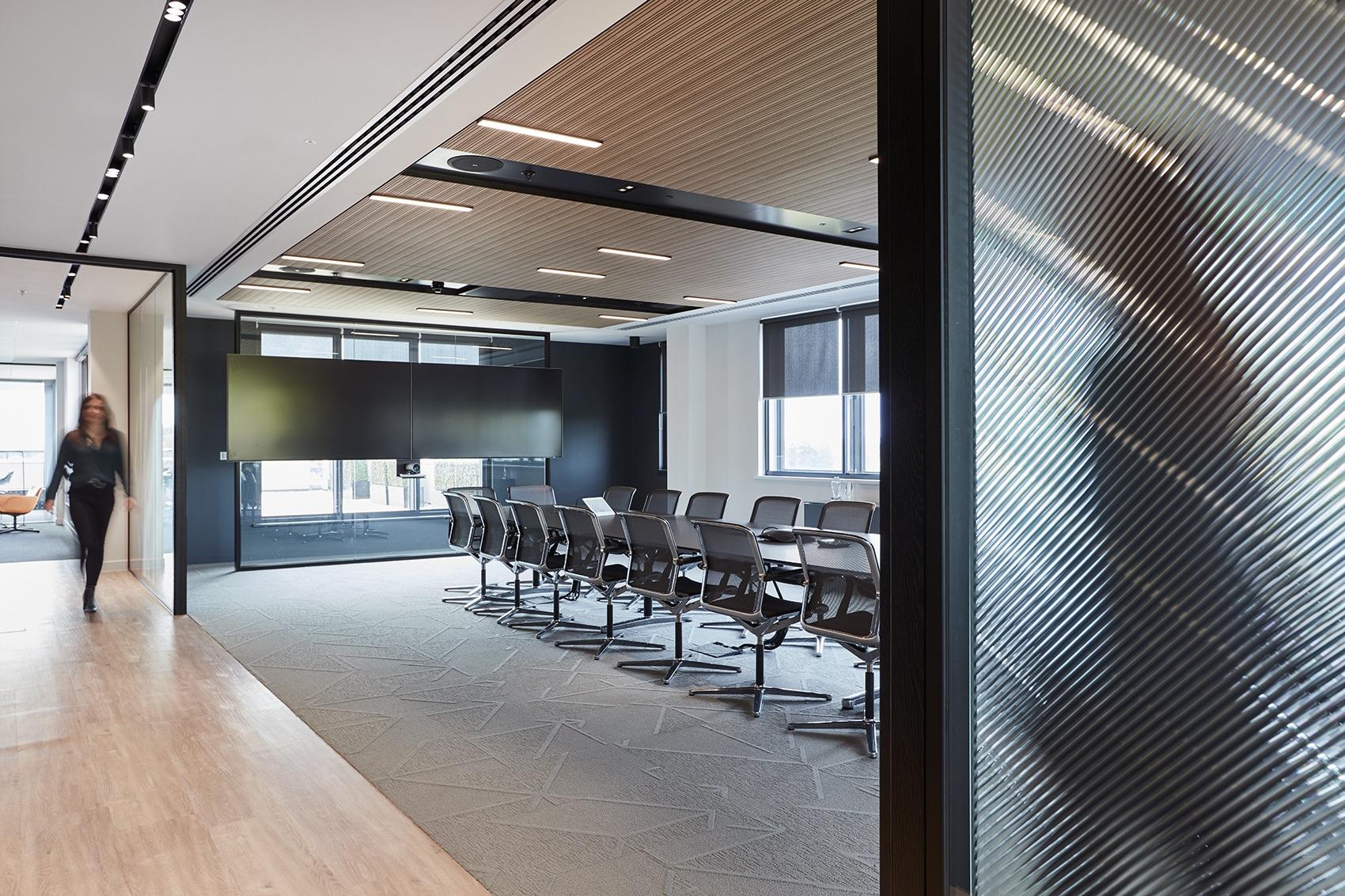 global-insurance-company-office-1