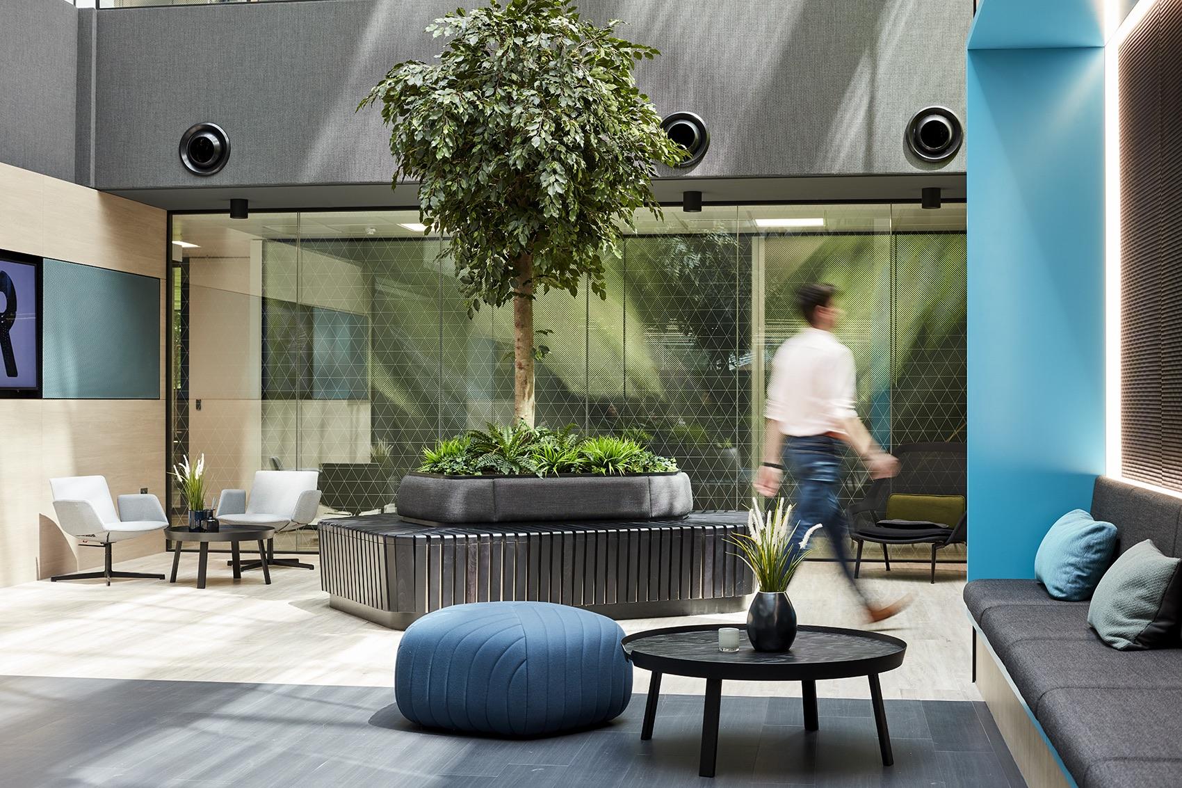 global-insurance-company-office-7