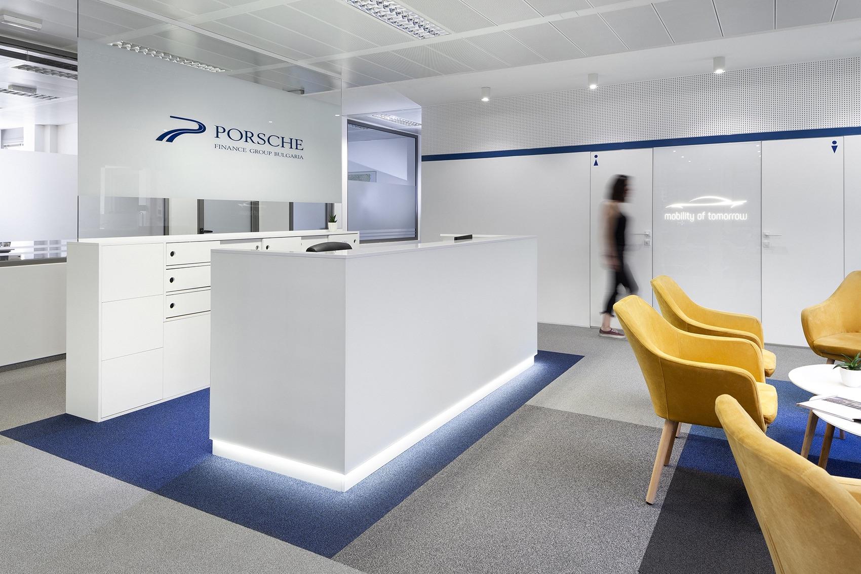 porsche-finance-group-office-3