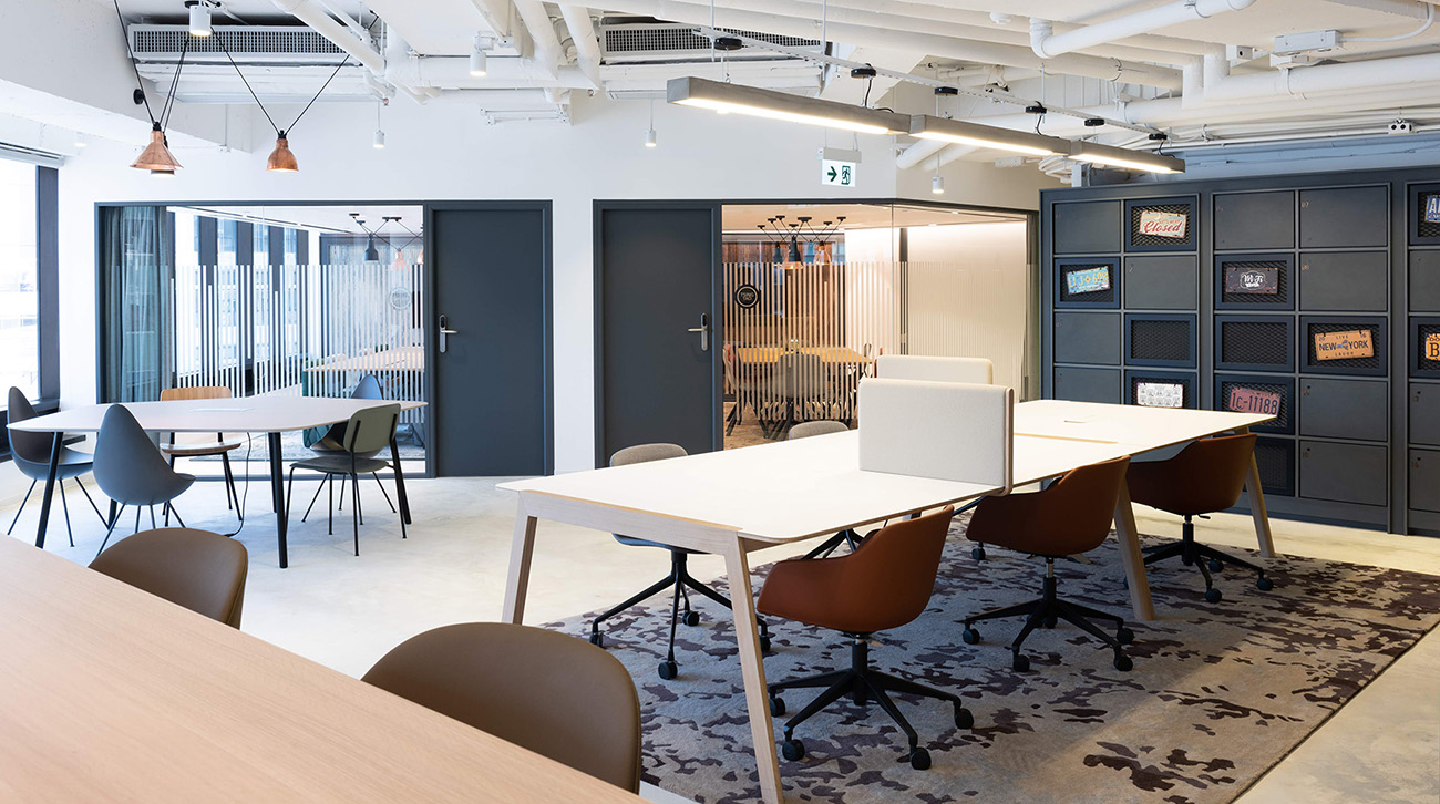 A Tour of Regus' Hong Kong Coworking Space
