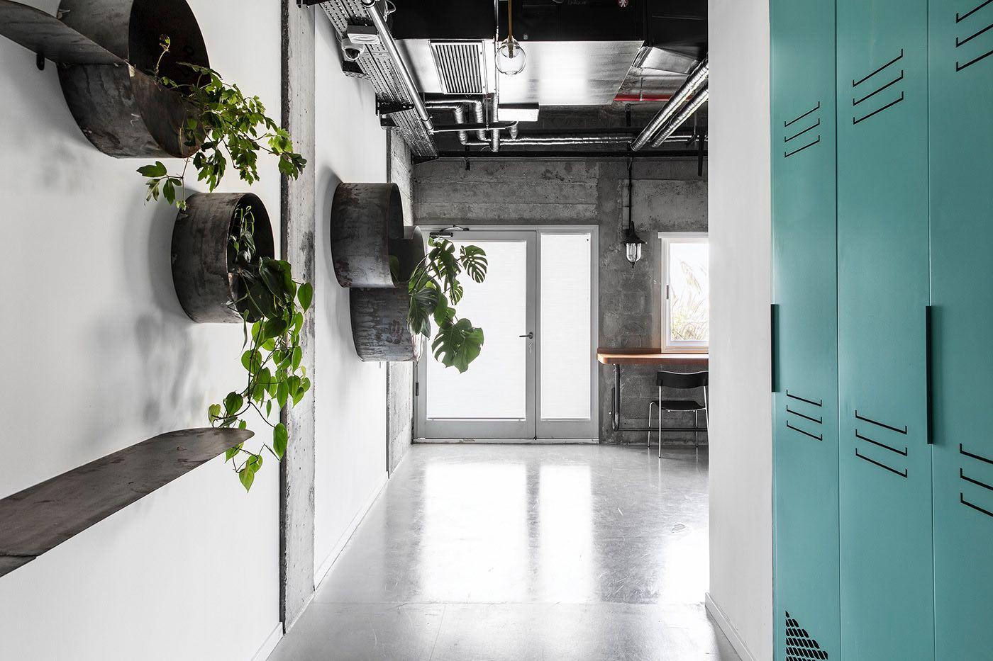 A Look Inside Alef Sade's Contemporary Caesarea Office