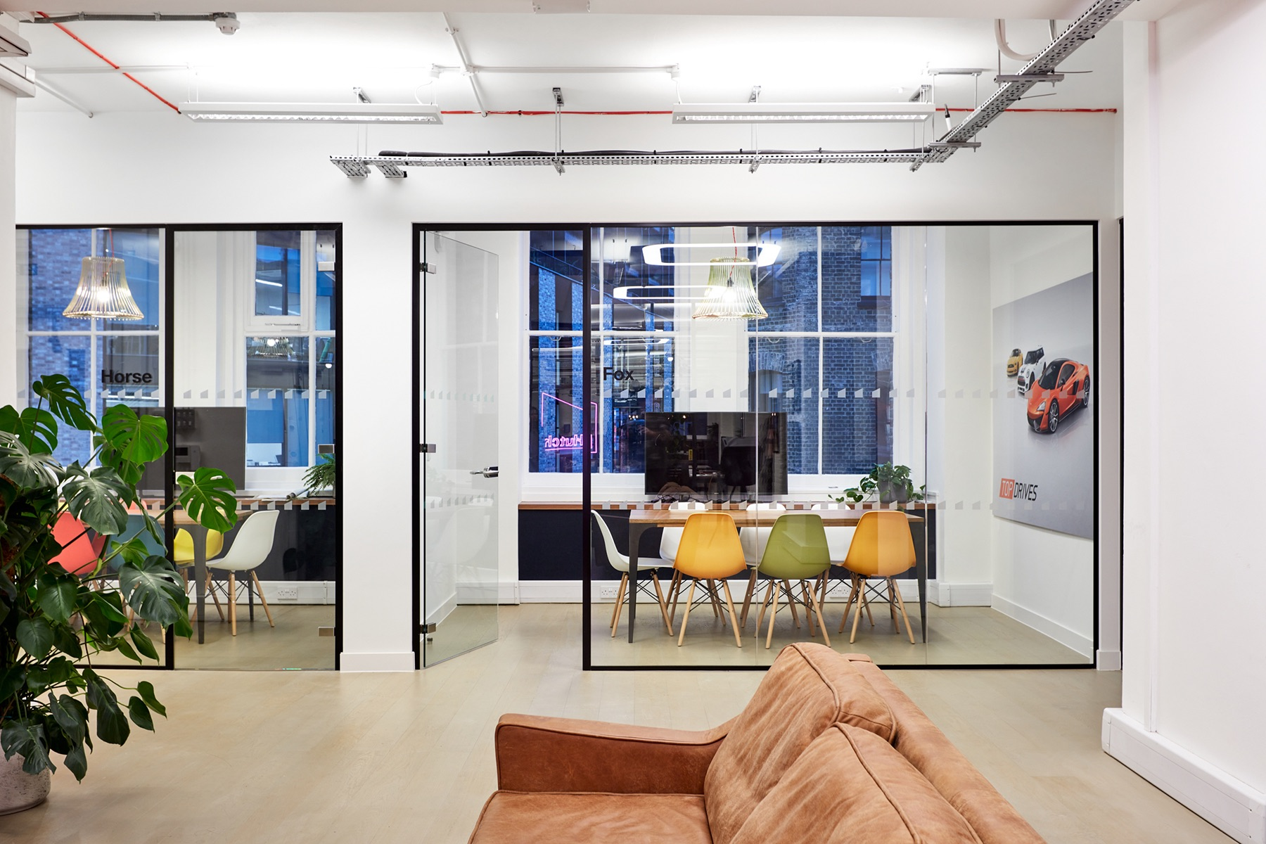 hutch-london-office-expansion-19