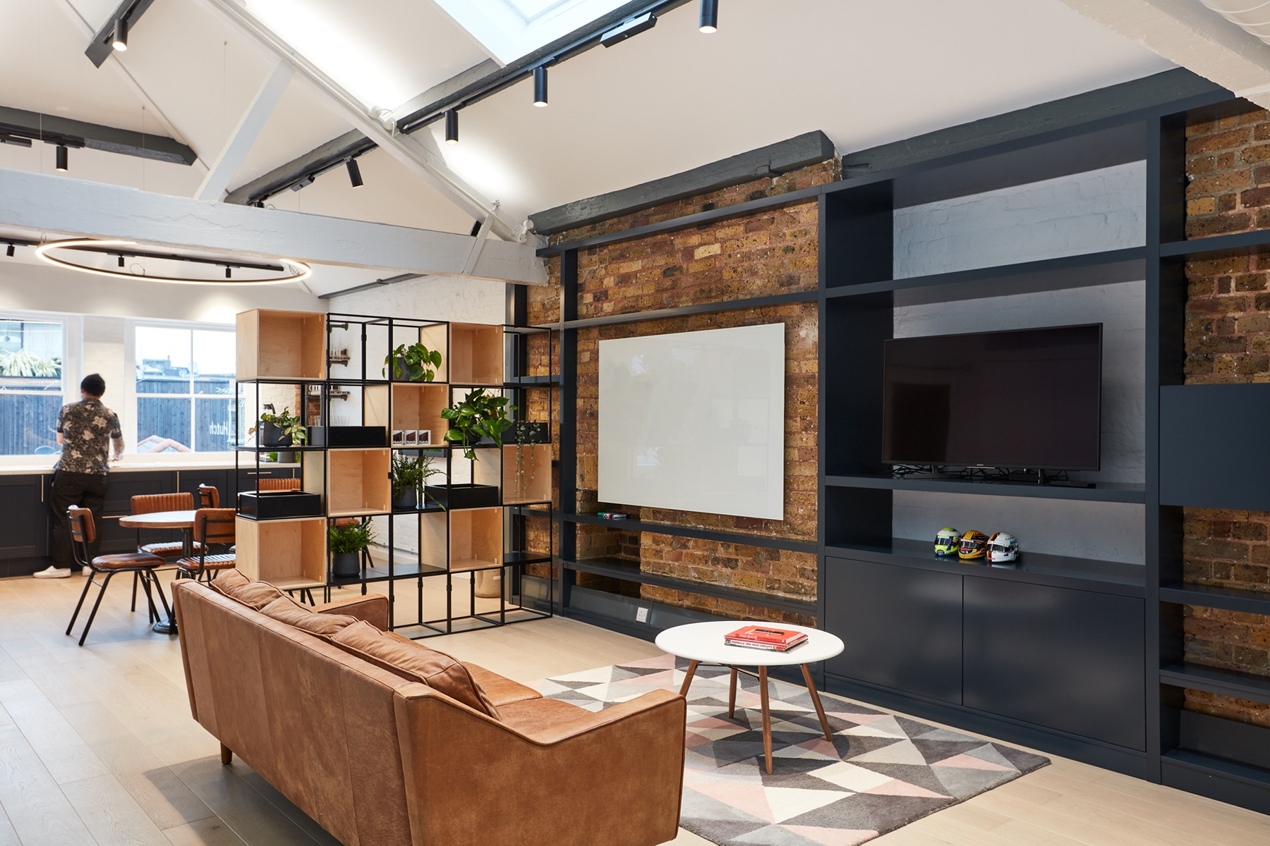 hutch-london-office-expansion-4