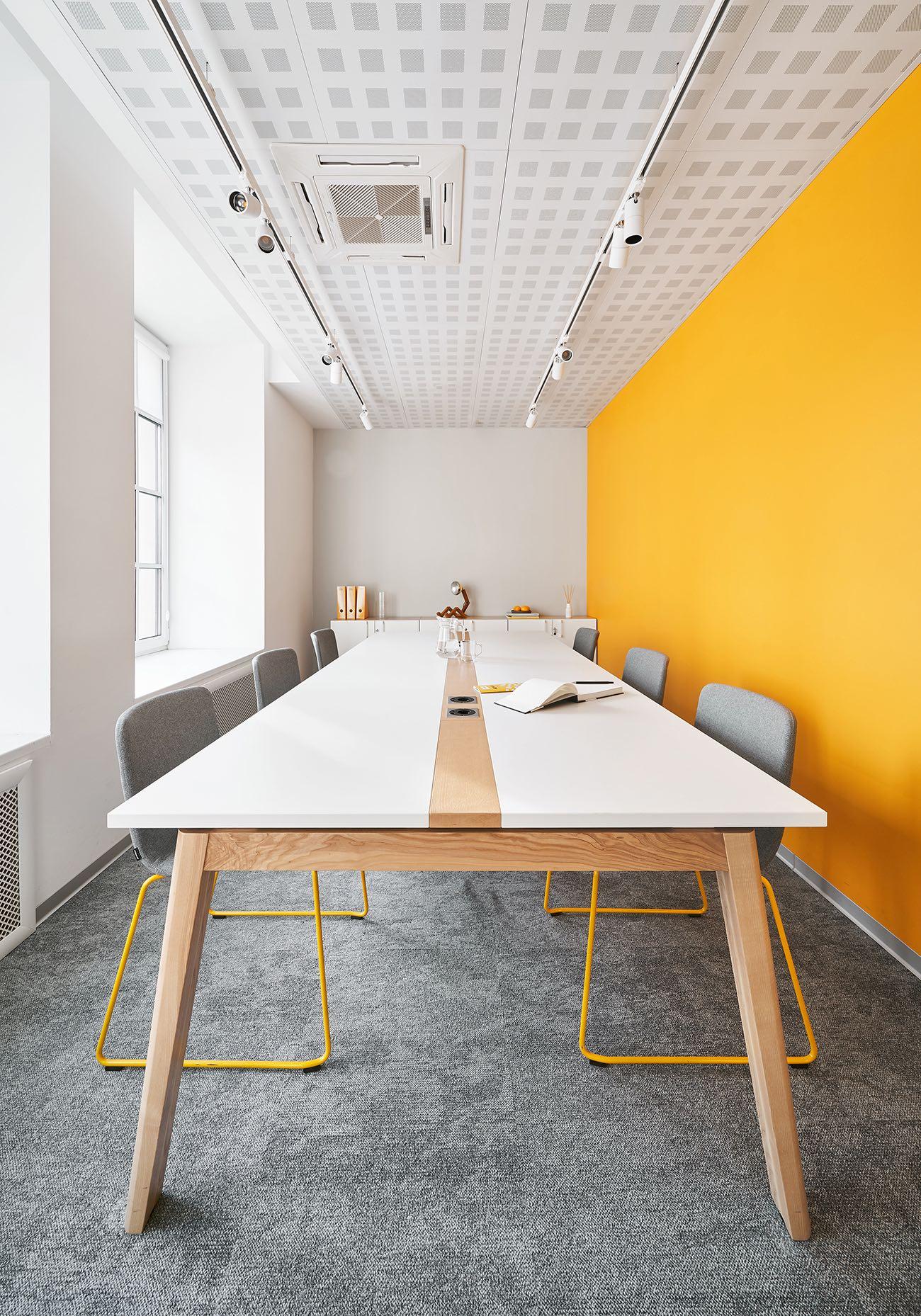 A Tour Of Kassir's Modern Saint Petersburg Office